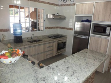 [Cozinha planejada em Santana Zona Norte SP com forno de embutir]