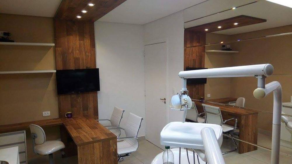 Móveis para consultório de dentista em Guarulhos SP, Armário baixo para instrumentos e painel decorativo - Foto 1