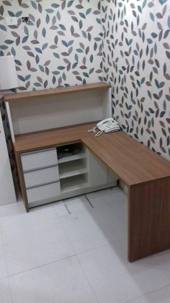 Móveis para consultório de dentista em Moema SP, mesa com estante - Foto 1