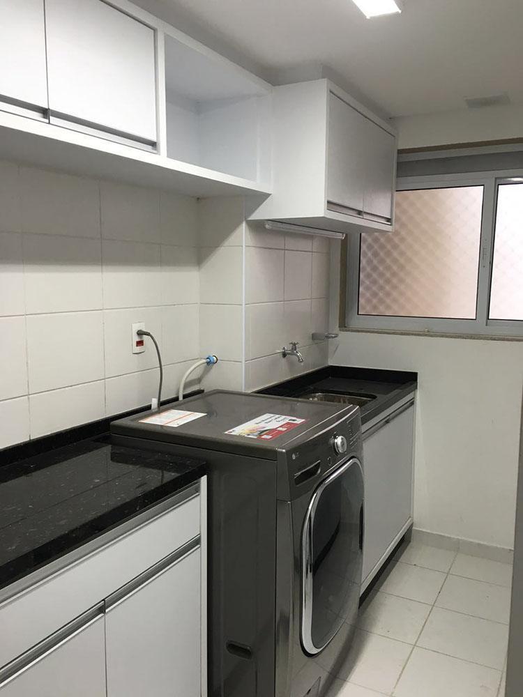 [Móveis planejados para área de serviço ou lavanderia na Moóca SP em MDF branco texturizado]