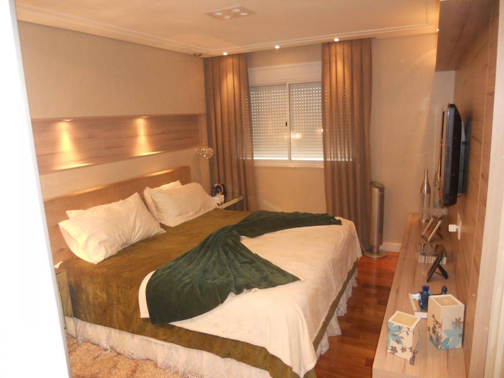 Dormitório Planejado no Tatuapé em SP com armário roupeiro com portas de correr em espelho fumê - Foto 1