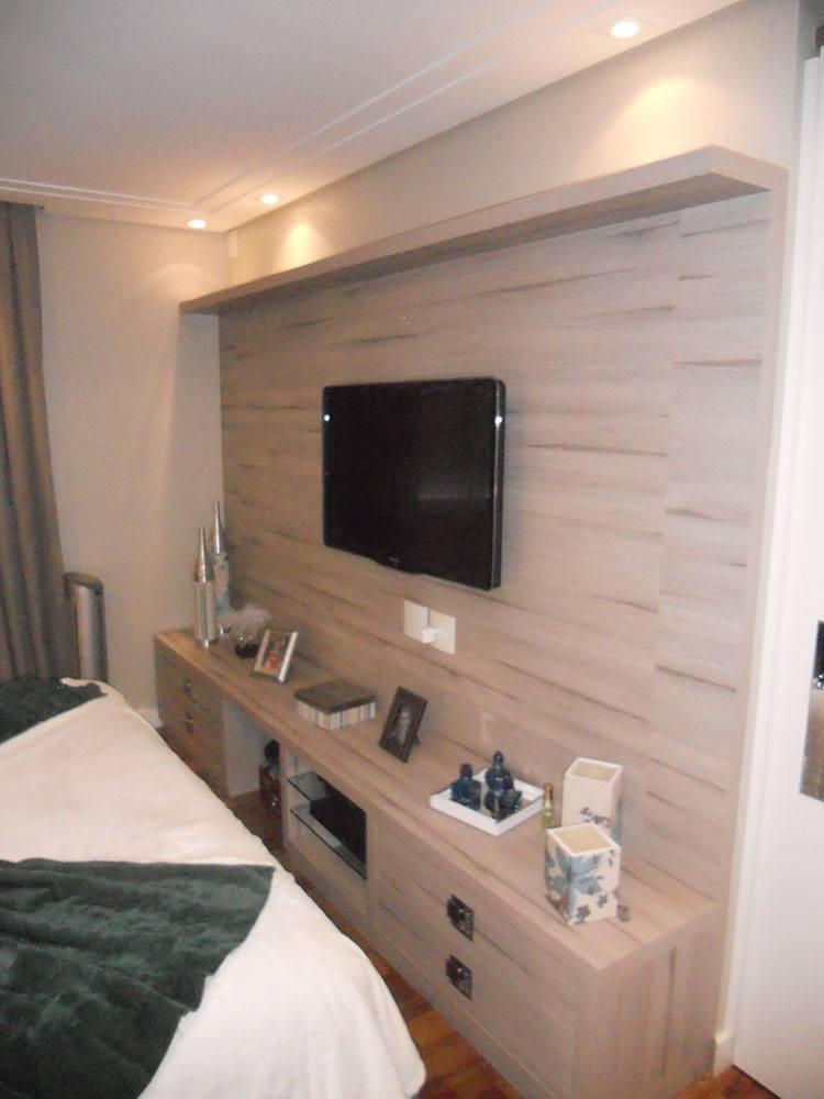 Dormitório Planejado no Tatuapé em SP com armário roupeiro com portas de correr em espelho fumê - Foto 2