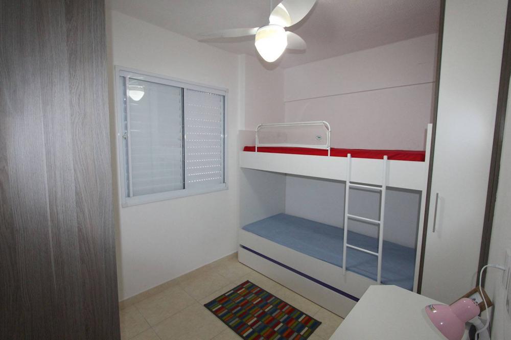 [Dormitório Planejado na Vila Maria em SP com treliche e escada]