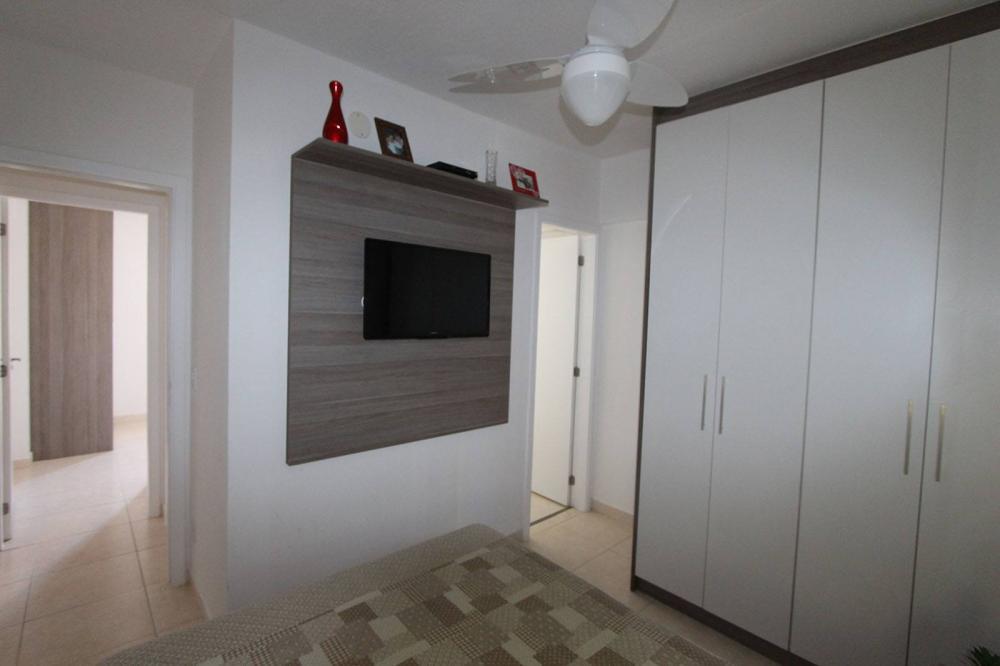 Dormitório Planejado na Vila Maria em SP com treliche e escada - Foto 2