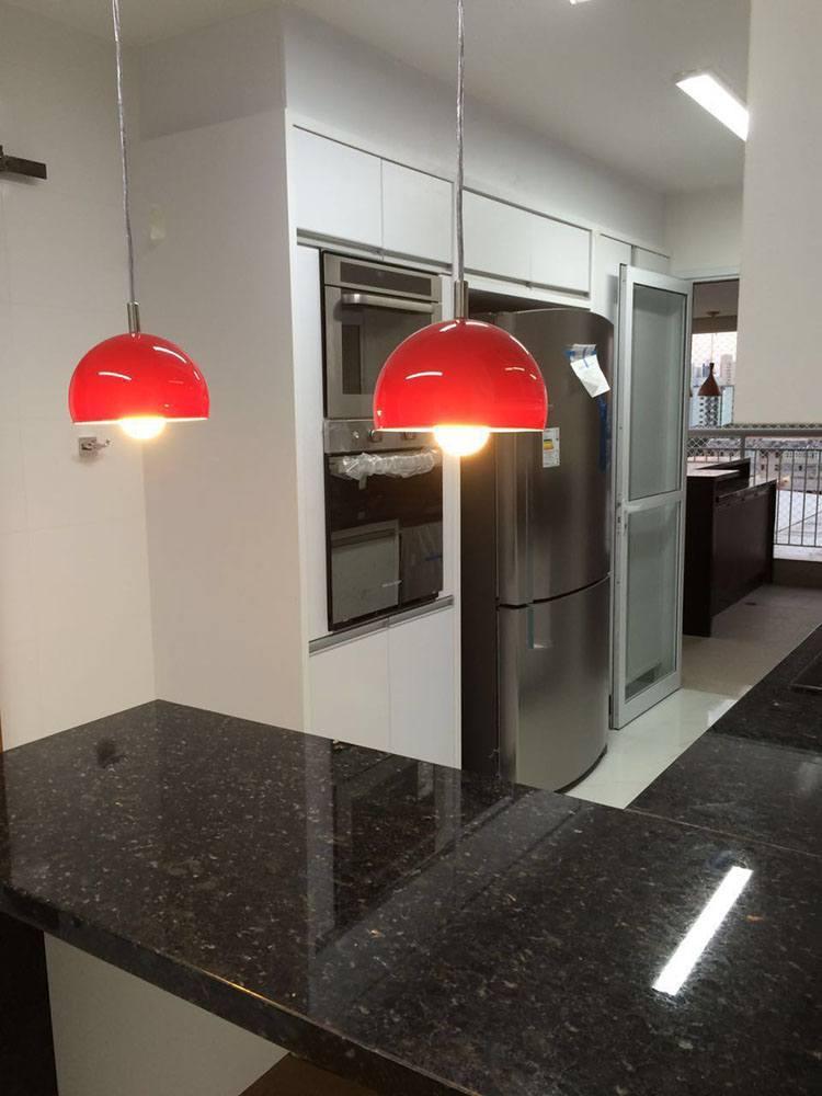 [Cozinha planejada na Moóca Zona Leste SP, com torre para eletros forno e microondas]