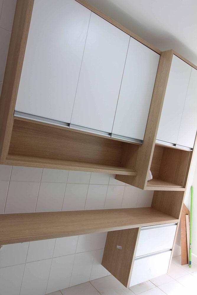 Cozinha planejada em Vila Prudente SP em MDF branco tx e vidro reflecta bronze - Foto 1