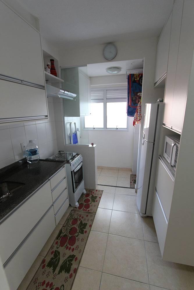 Cozinha planejada em Praia Grande SP, MDF branco - Foto 2