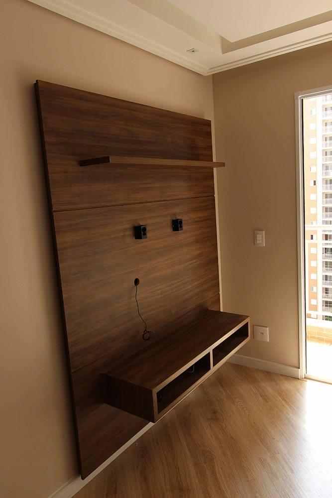 [Móveis para Sala planejada em Santana Zona Norte SP com painel para TV, nicho para eletronicos e prateleira decorativa]