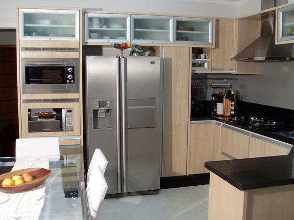 Cozinha planejada no Tucuruvi Zona Norte SP com torre para forno e microondas - Foto 2